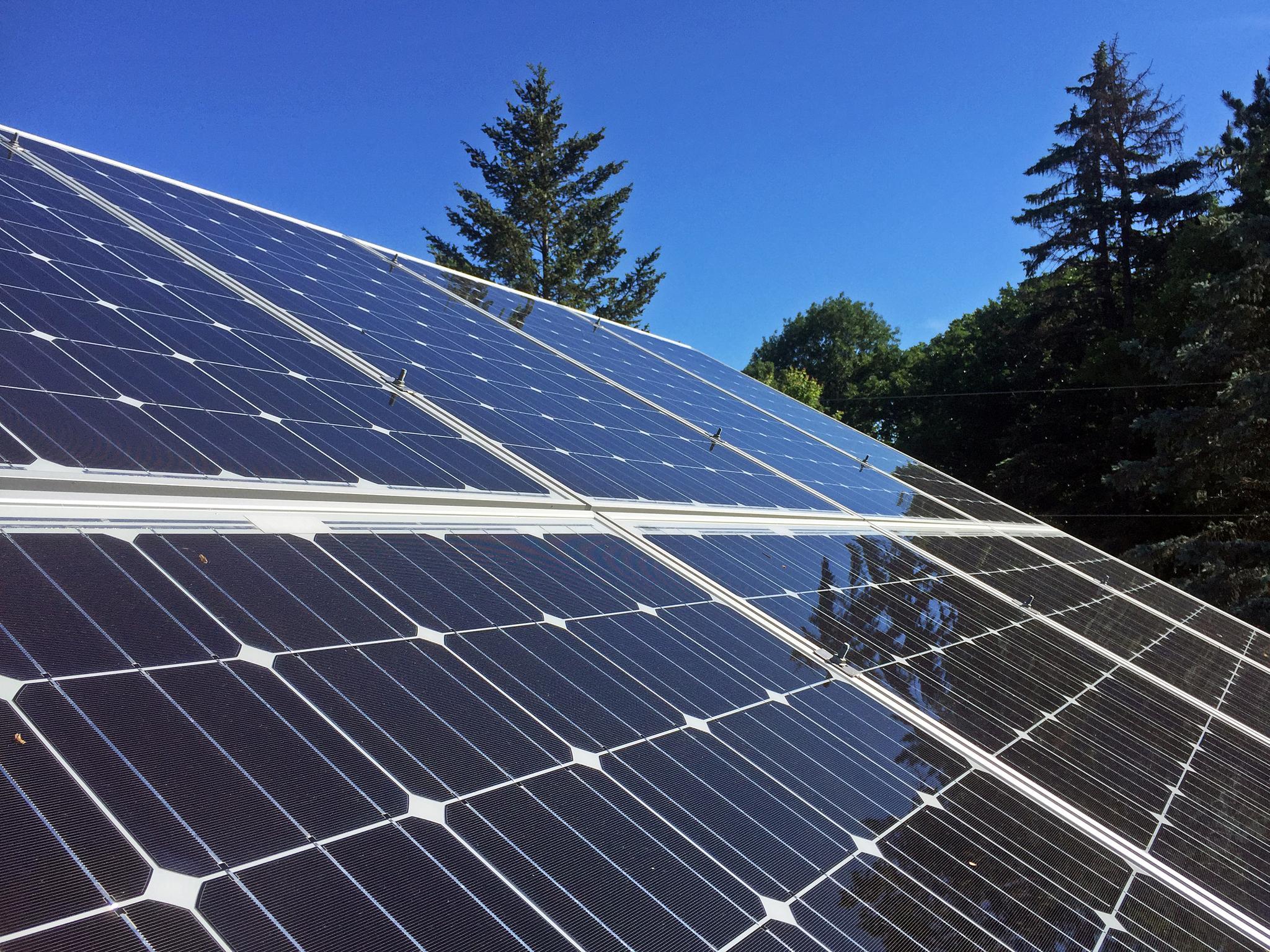 9 9 Kw Solar Pv Array In Wayzata Mn Energysage