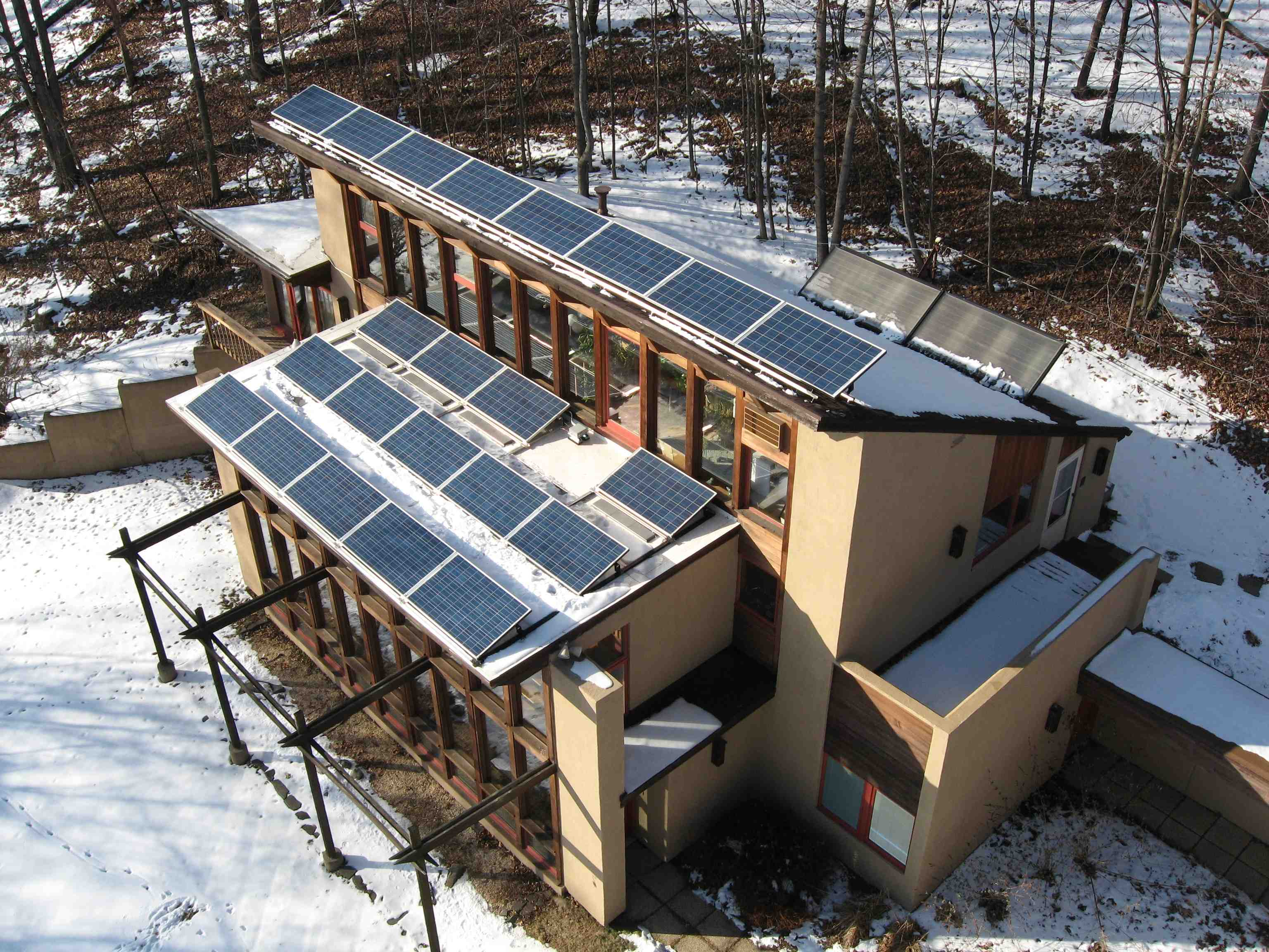 Passive solar home energysage for Solar powered home designs