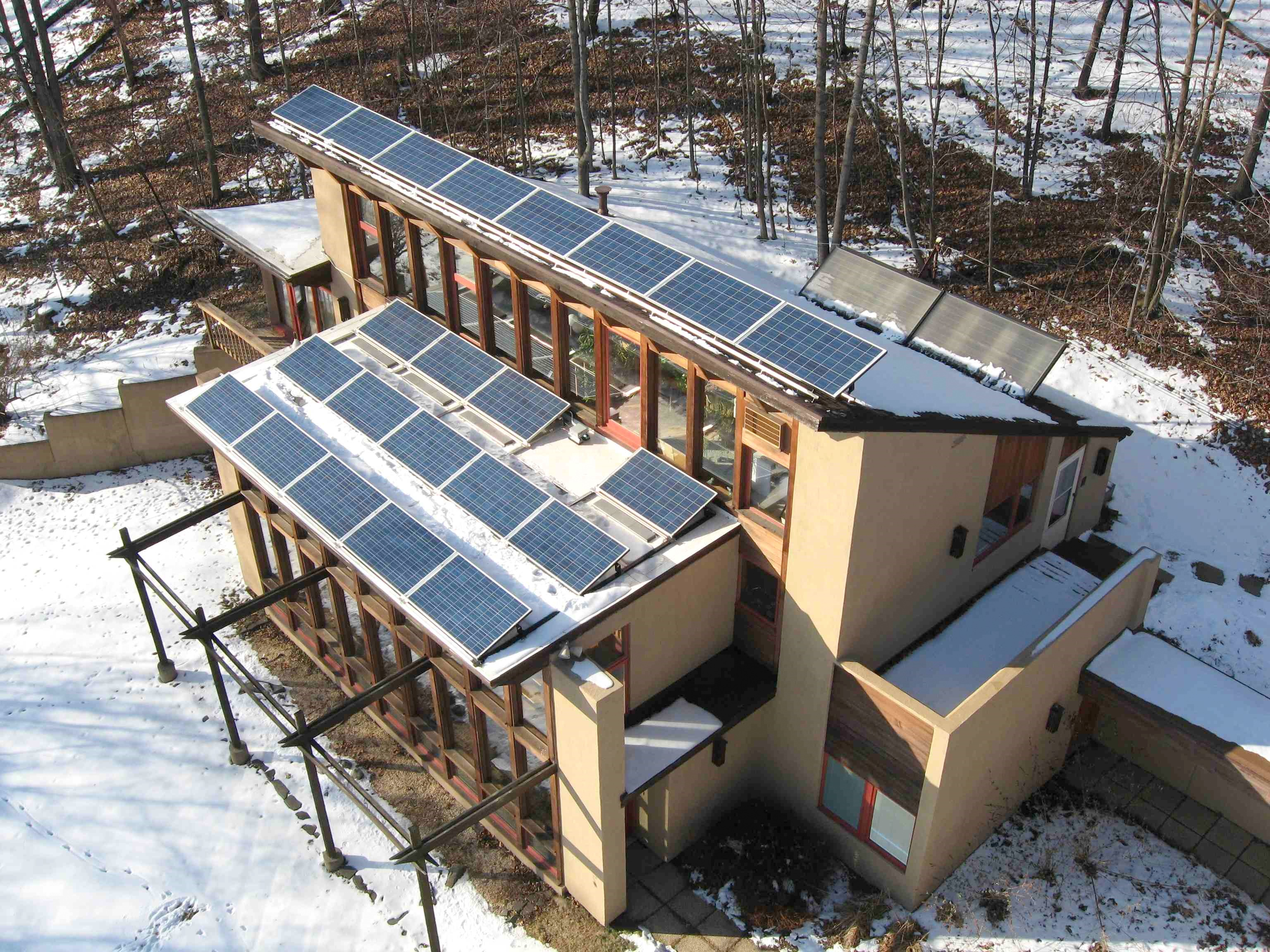 Helios zero net energy home in lafayette nj solar pv for Solar passive home designs