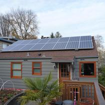 Cozy Seattle Home is Solar Powered