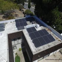 Flat roof?  No problem! LG Electronics 315W solar panels. SolarEdge Technologies 5kW inverter & 400W DC optimizers. -2016, Sunnyvale, CA.
