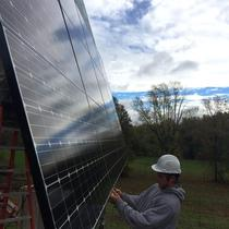 In October 2014, Earthlight installed a 6.72 kW Dual-Axis Tracker in Windsor, CT.