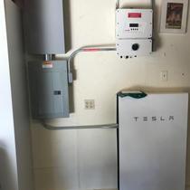 Powerwall with HD Wave Solar Edge inverter
