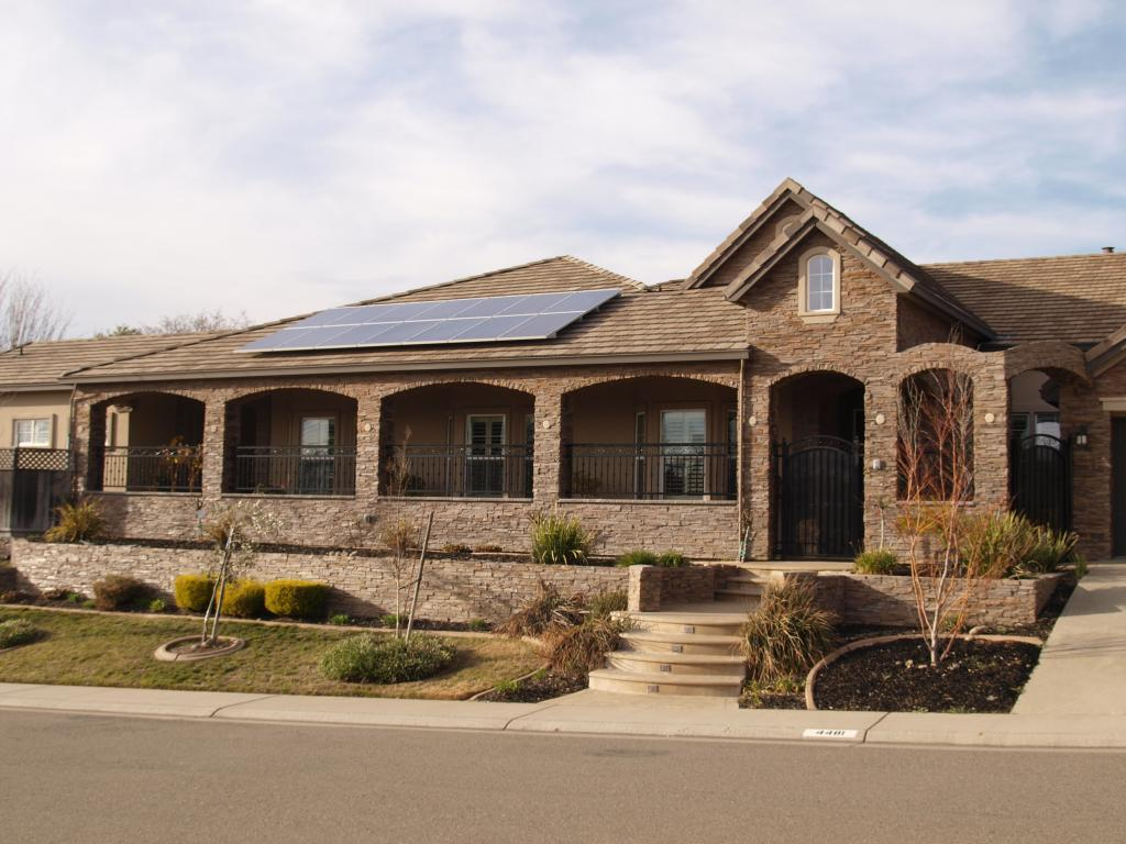 evergreen solar How to choose the right provider, professional installer, equipment, and ensure you have a smooth process with city regulators and homeowner's associations.